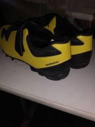 Sapatilha Shimano + pedal M 520