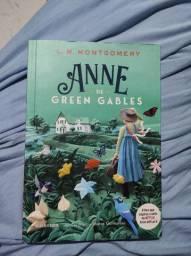 "Livro ""Anne de Green Gables"""