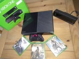 Xbox One + Kinect + Controle + 3 Jogos + Nota Fiscal Original, na caixa, pouco uso.