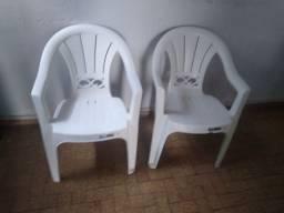 Três cadeiras