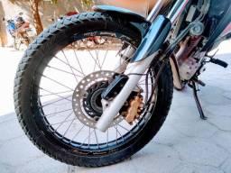 Vendo uma moto Honda XRE 300