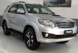 Toyota Hilux SW4 SRV 7 lugares - 2012