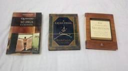 3 livros semi novos baratissimos para vender agora.