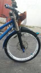 Bike nova vendo ou troco em um celular