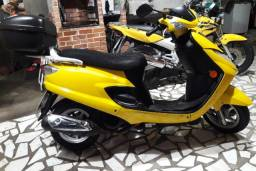 Moto Burgman 125 ano 2007 amarela revisada documento em dia