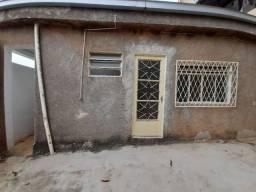 Casa com 02 quartos no Santa Rita (Ref: 05)