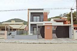 Casa semi mobiliada e pronta para morar na praia de Zimbros