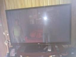 Vende se TV rack Dvd antena parabólica avap preço a combinar.