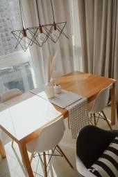 Mesa de jantar tokstok + 4 cadeiras eames branca