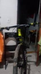 Bicicleta semi nova aro 29