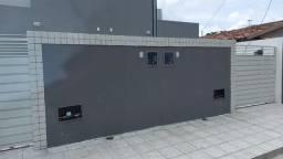 Título do anúncio: Excelente casa nos Funcionários II com 2 quartos e terraço. alto Padrão!!!