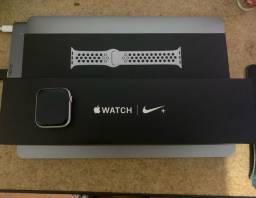 Apple Watch Nike 44mm Prata