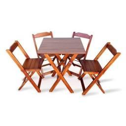 Jogo de mesa com 4 cadeira  madeira do brável