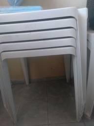 Vende-se mesas e cadeiras