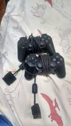 Dois controles de PS2
