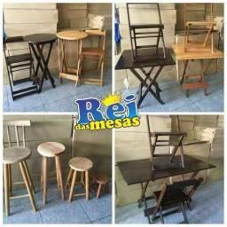 Mesas e Cadeiras de madeira dobraveis