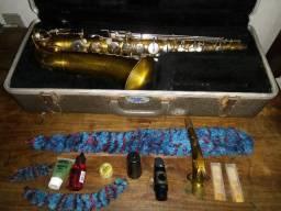 Saxofone Buescher Aristocrat - Revisado e Regulado - 1960's