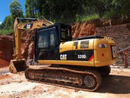 Escavadeira CAT 320 DL ano 2011