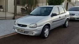 GM Corsa Sedan 2003 1.0 8v com Vidro, Trava e Alarme - 2003