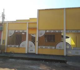 Aluga-se uma casa no conj. solar