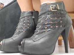 Bota (ankle boot)