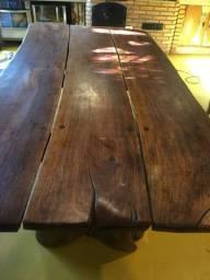 Vendo mesa madeira maciça demolição R$2.100,00