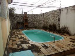 Belíssima casa Jardim Atlântico com 3 quartos 2 suítes ótima localização com piscina
