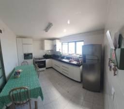 Apartamento com 03 quartos no centro de Araxá