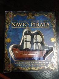 Livro História do Navio pirata