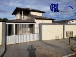 Vende uma ótima residência no bairro Mecejana