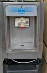 Maquina de Sorvete Taylor 152