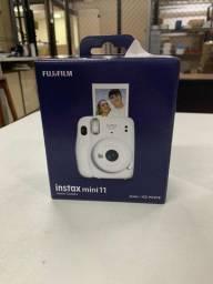 Câmera Fuji Instax Mini 11 + 1 Filme Instax Mini
