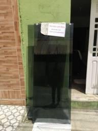 Oportunidade . Box de vidro medindo 1.55 por 2.00 metros espessura de 8 milímetro