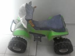 Quadriciculo elétrico infantil