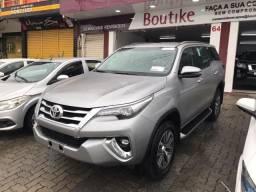 Toyota Hilux Sw4 SRX 2019 com apenas 6.300 Km