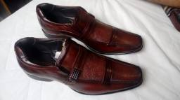 Sapato de couro masculino TAM 44 Novo