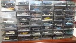 Coleção de Carrinhos Jame Bond 007 - 70 miniaturas Escala 1:43 - R$ 2.870,00