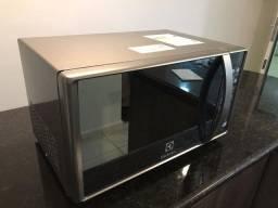 Micro-ondas 20L Prata Tira Odor Electrolux (MT30S) 110v - Usado 2 vezes!