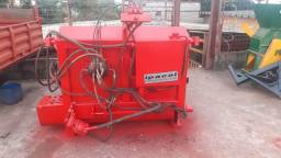 Vagão coletor e distribuidor de silagem da marca IPACOL pra700 kg *