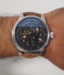 Relógio automático Pagani Design