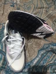 Tênis Nike novo nunca usado