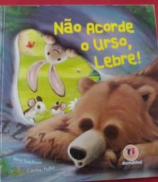 Não acorde o urso lebre