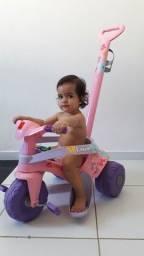 Título do anúncio: Carrinho  triciclo  com empurrador