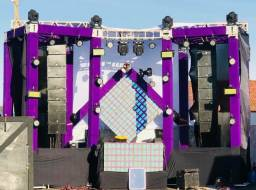 Som caixas line Array