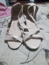 Sapatos novos .