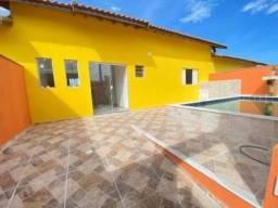 Casa com piscina, lavanderia, lado praia, para financiar