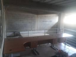 Conjunto de mesas para escritório