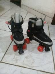 Vendo patins 04 rodas