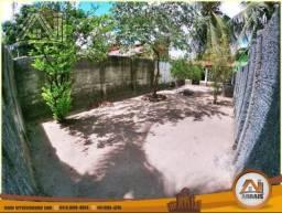 Casa no Itaperi com Amplo Terreno, 195m², Fortaleza-Ce