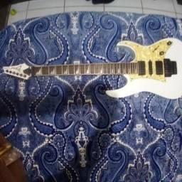 Guitarra Ibanez RG 350 DX branca